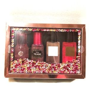 Victoria's Secret in a bundle. 4 mini perfumes